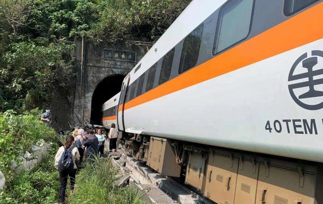 Число загиблих в катастрофі поїзда на Тайвані різко зросло