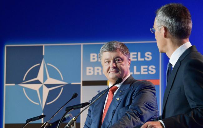 Порошенко сообщил, когда подаст поправки к Конституции о намерениях Украины вступить в НАТО