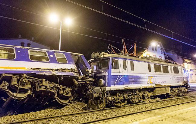 УПольщі 28 людей постраждали внаслідок зіткнення потягів