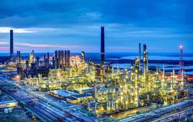 У Румунії на найбільшому нафтозаводі стався вибух