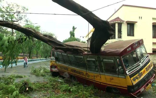 """Кількість жертв циклону """"Амфан"""" в Індії та Бангладеш перевищила 80 осіб"""