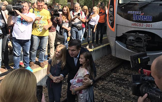 Воскресенье закончилось в пользу Саакашвили (фото - twitter.com SebaGobert)