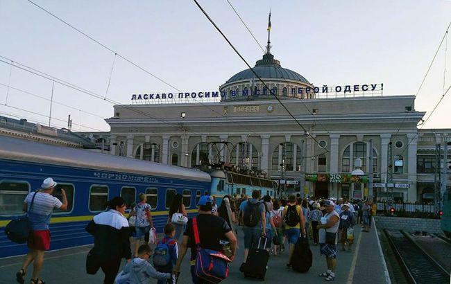 Ни себе, ни людям: Укрзализныця решила подзаработать на бесплатном сервисе (фото)