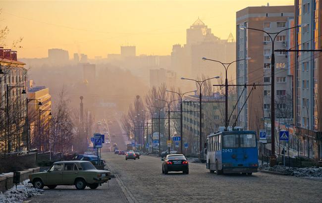 """""""Очень больно"""": в сети появились новые мрачные фото оккупированного Донецка"""