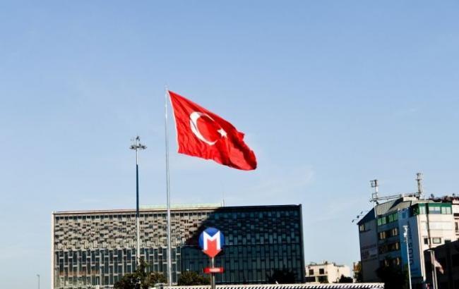 26 членов правящей партии Турции ранены вДТП