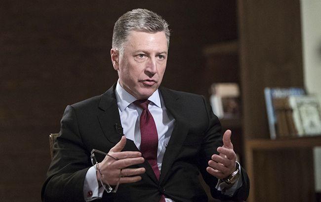 Волкер засуджує видачу паспортів РФ на Донбасі