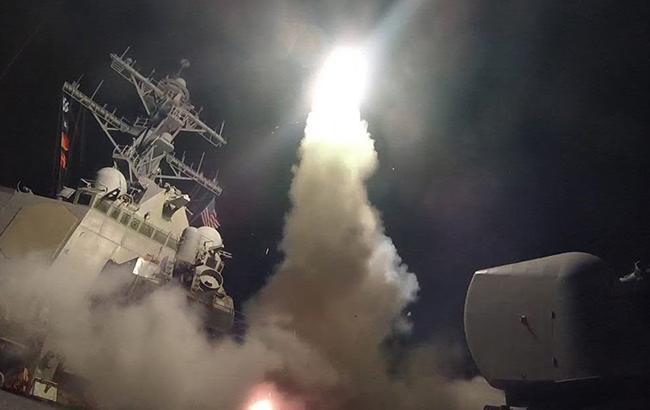 Минобороны США показало видео запуска ракеты «Томагавк» для удара поСирии