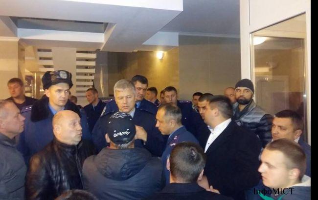 Конфлікт в будівлі Черкаської обласної поліції: опубліковано відео