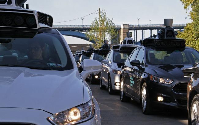 Фото: Uber запустив таксі без водія (techcrunch.com)
