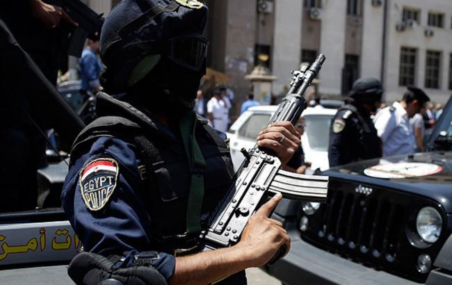 В Єгипті бойовики розстріляли автобус з паломниками, десятки загиблих