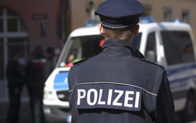 Фото: полиция Германии провела эвакуацию жилого дома