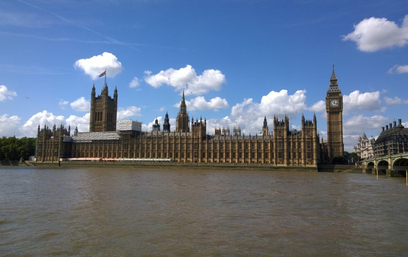 В Лондоне в здании парламента Британии произошел пожар