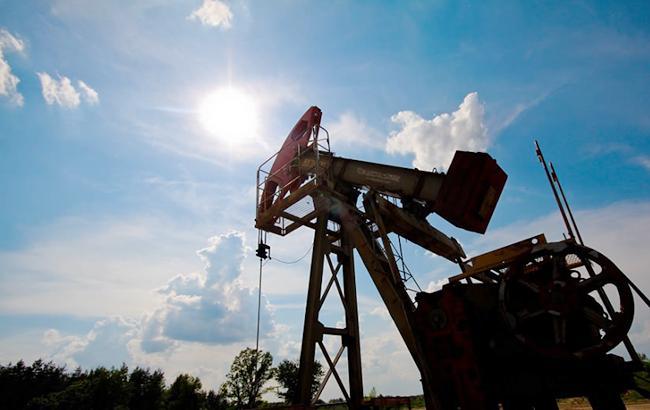 Цены нанефть колеблются нафоне укрепления доллара