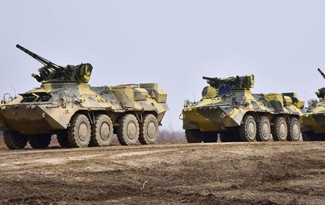 За добу на Донбасі поранені троє українських військових, - штаб АТО