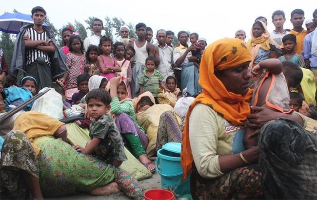 У берегов Бангладеш перевернулась лодка с беженцами, есть погибшие