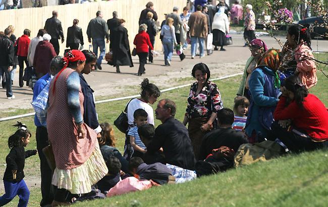 """""""Вчетвером обступили и..."""": Львовская чиновница рассказала об ужасном инциденте с цыганами"""
