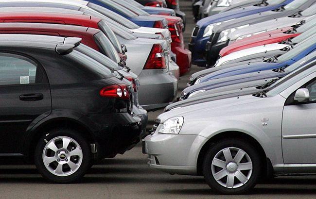 У Чернівецькій області поліція розкрила схему ввезення авто з іноземними номерами