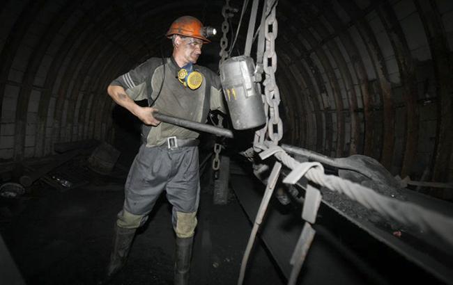В итоге несчастного случая нашахте вДнепропетровской области умер электрослесарь