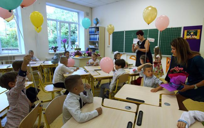 В 1-е классы столичных школ приняли 13 воспитанников Киевского центра реабилитации детей с инвалидностью