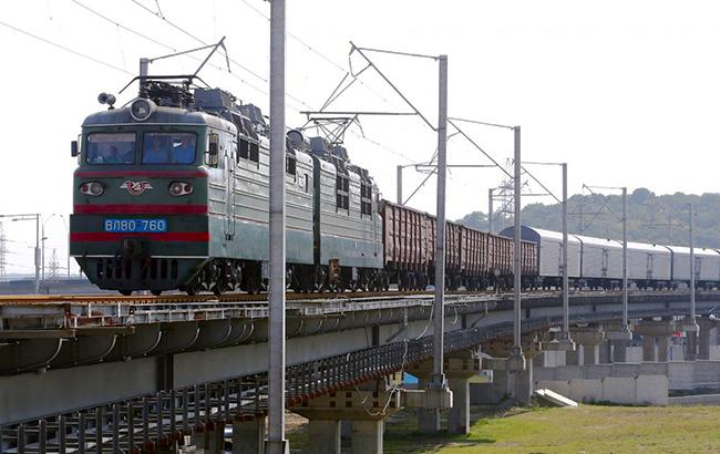 Фото: Поезд (Александр Синица/УНИАН)
