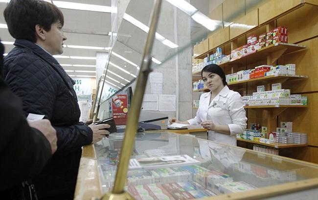 Провизорам укажут место: зачем в Верховной раде хотят ограничить количество аптек