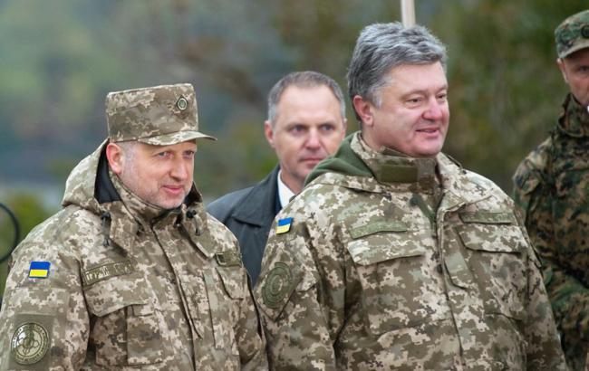 Україна виставить бойові бригади вздовж кордону, - Порошенко
