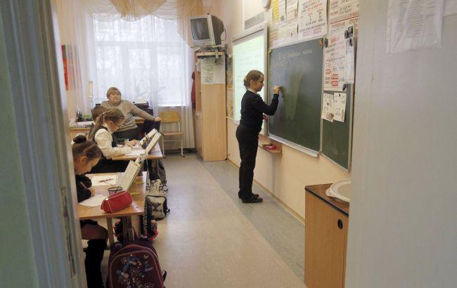 Коронавірус: батькам обмежать вхід у навчальні заклади Києва