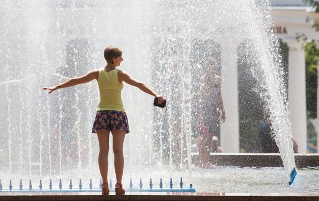 Тепло и солнечно: синоптики уточнили прогноз погоды на понедельник