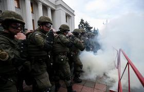 Диапазон сценариев ожидаемых акций протеста довольно обширен, и все - не в пользу власти (фото - УНИАН)
