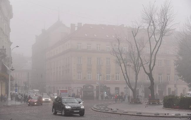 Фото: туман во Львове (УНИАН)
