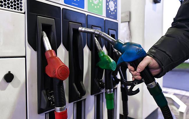 Цены на топливо на украинских АЗС продолжают расти (УНИАН)