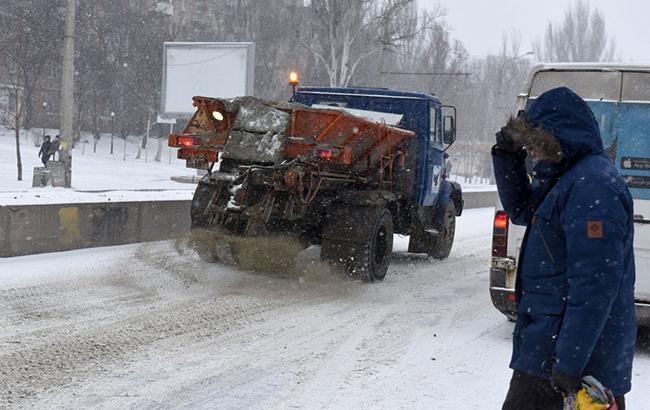 """Непогода в Украине: в """"Укравтодоре"""" рассказали о ситуации на дорогах"""