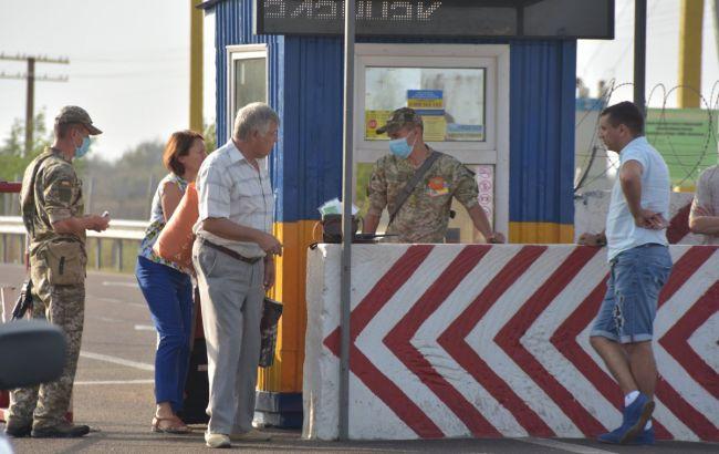 У Донецькій області через коронавірус обмежили роботу КПВВ