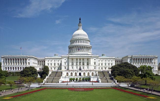 Невідомі погрожують направити літак в будівлю Капітолія у Вашингтоні