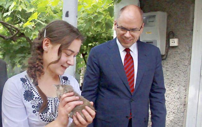 Степанов подарував сироті свій будинок в селі в Одеській області