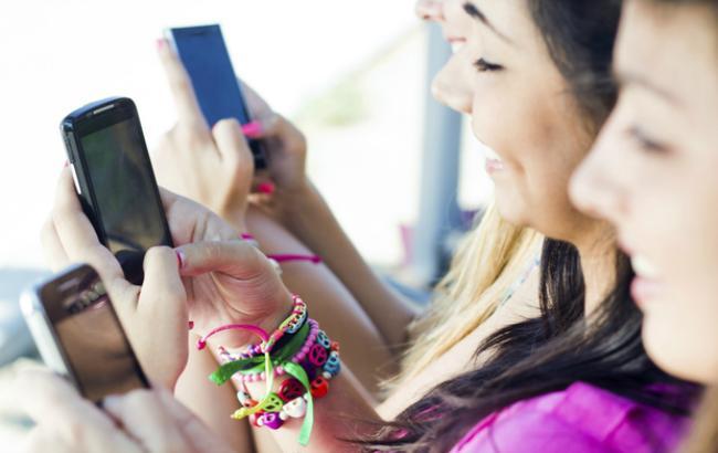 Фото: продажи смартфонов в мире продолжают расти (computerworld.com)