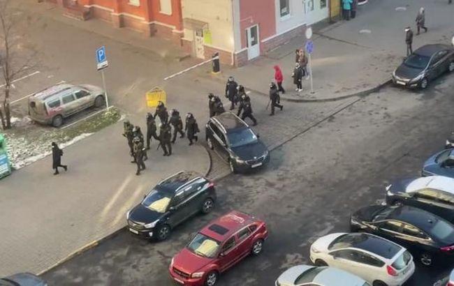 На протестах в Минске начались разгоны и задержания