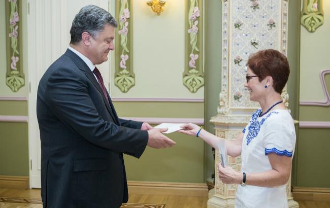 Порошенко прийняв вірчі грамоти у нового посла США Йованович