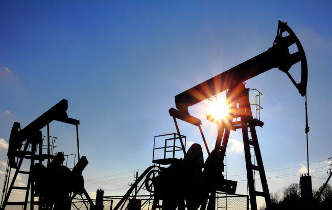 Фото: нефть Brent  опустилась ниже 50 долларов за баррель