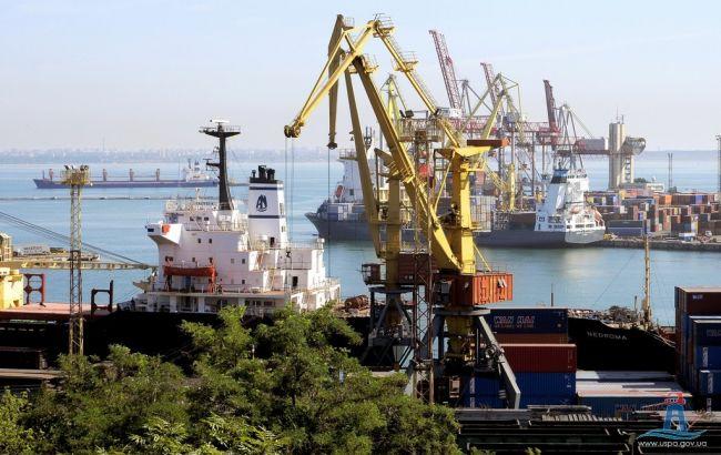 Фото: одесский порт (uspa.gov.ua)