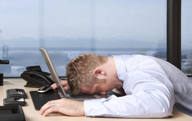 Фото: Офисные работники подвержены синдрому хронической усталости (psiho-logik.ru)