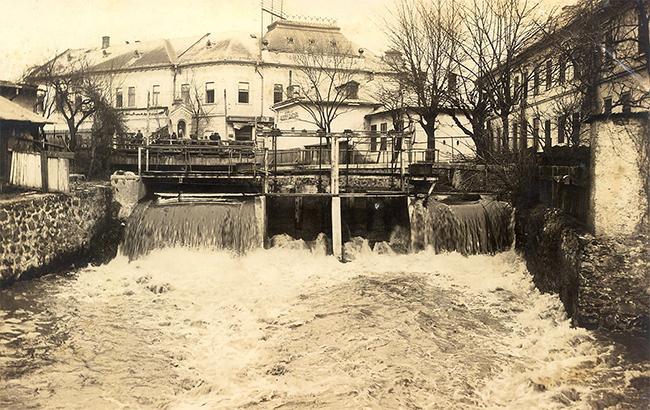 Фото: Река Малый Уж (facebook.com-uzhguidebook)
