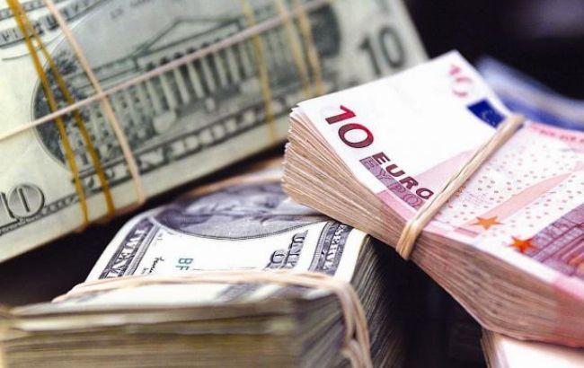 """Люди вже звикли до """"чорного ринку"""", який пропонує більш привабливий курс валюти"""