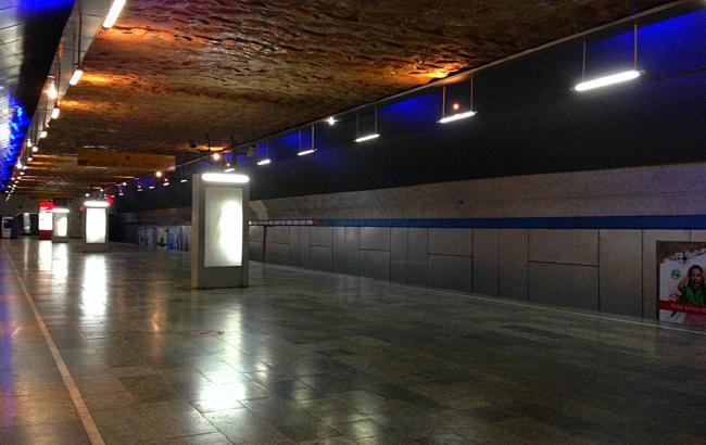 "Фото: станция метро ""Варкетили"" (wikipedia.org)"