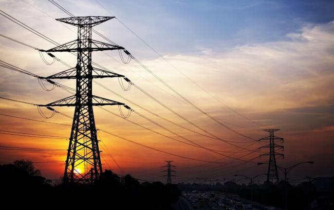 Фото: в Крыму без электроэнергии остались 9 населенных пунктов