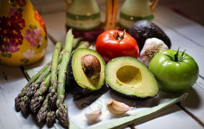 Не треба їх варити: нутриціолог розповіла, які помилки в приготуванні овочів крадуть їх цінність