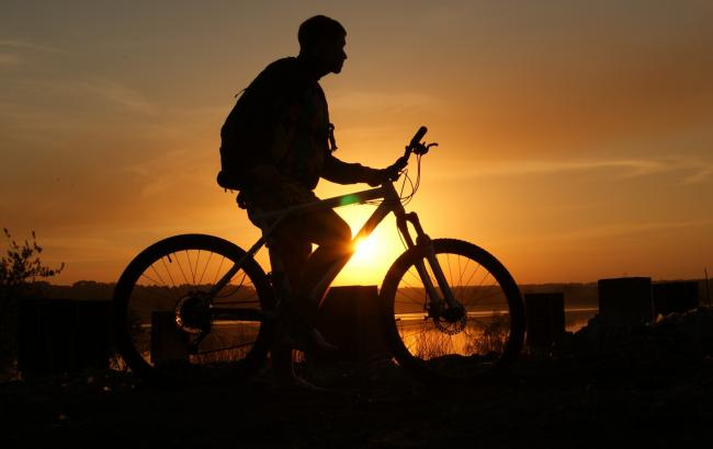 Фото: Велосипедист (gazeta.lviv.ua)