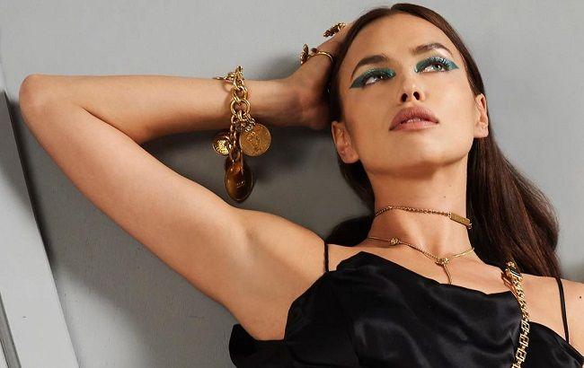 e1fa40ce3e58423 В шелке и золоте: Ирина Шейк блистает роскошной фигурой в кампании Versace  (видео)