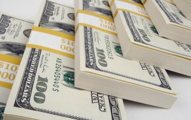 Доллар на торгах в РФ снова начал расти