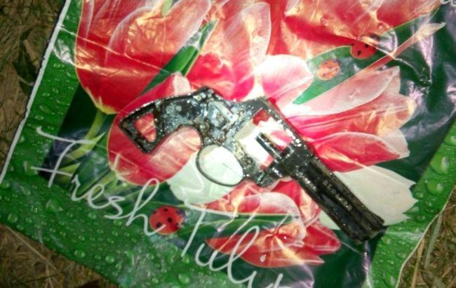 Фото: обнаруженный фрагмент пистолета